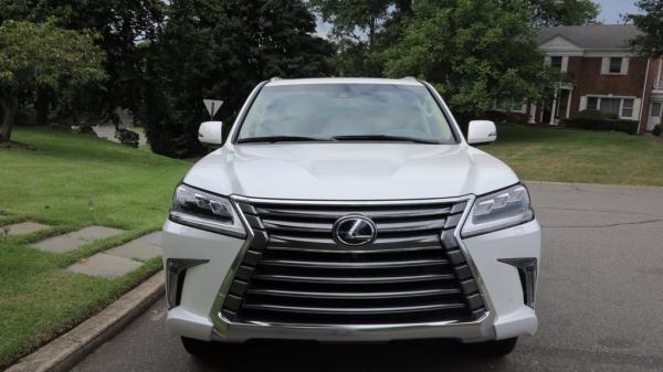 Selling 2016 LEXUS LX 570