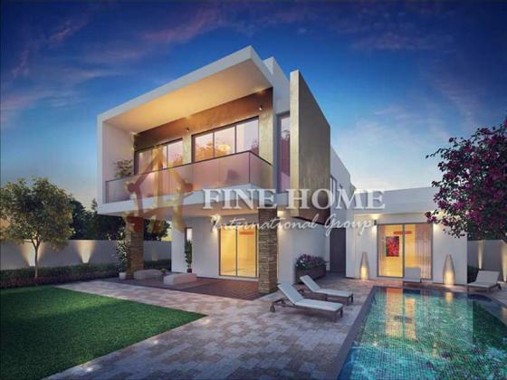 4BR. Villa Located in Main street with Big Plot.