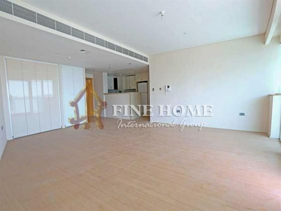 Canal View, 3BR+ Maid room +2 Balconies in Al Muneera.