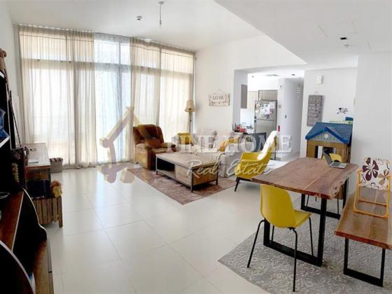 Stunning Sea view with Amazing 3BR. Apartment.