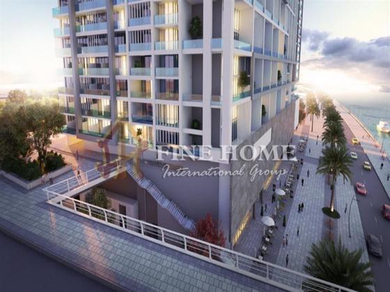 1 Bedroom facing poolside / with a big Balcony