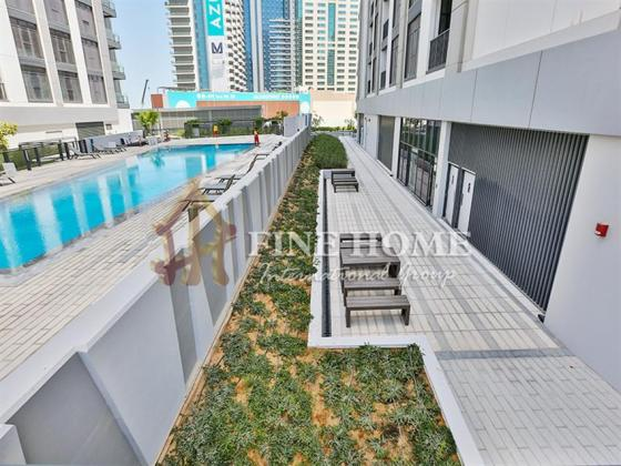 Don't Pay Commission for This Lovely 1BR w Balcony