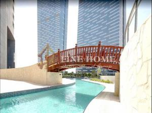 Stunning 1BR w/ Study + Laundry Room / Sea View