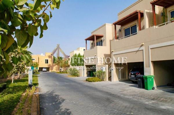 Perfect 5BR Villa with Pool /Corner plot
